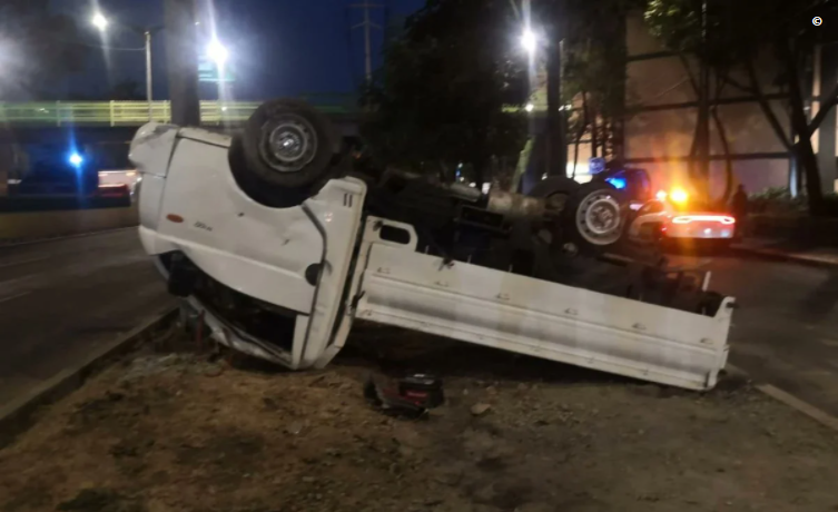 accidente-cdmx-camioneta-cocaína
